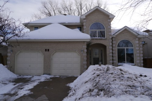 Main Photo: 62 Strongberg Drive in Winnipeg: Residential for sale : MLS®# 1404148