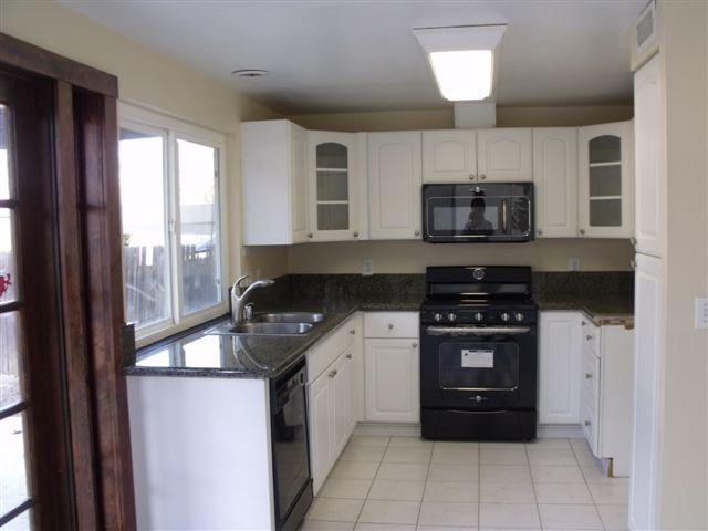 Photo 14: Home for sale : 3 bedrooms : 5186 Fino Drive in San Diego