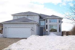 Main Photo: 224 Orchard Hill Road in Winnipeg: Royalwood Single Family Detached for sale (Winnipeg area)  : MLS® # 1406454