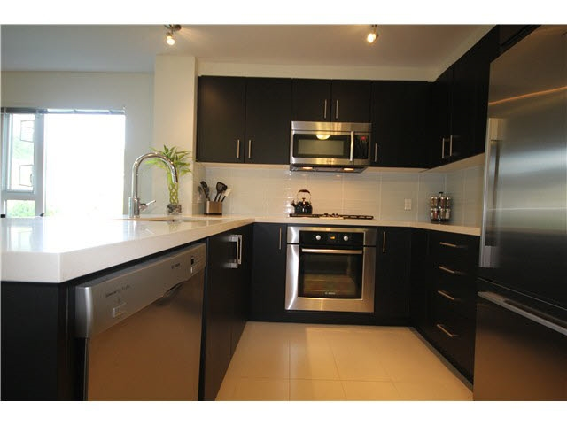 Main Photo: 217 3163 RIVERWALK AVENUE in Vancouver: Champlain Heights Condo for sale (Vancouver East)  : MLS(r) # R2062360