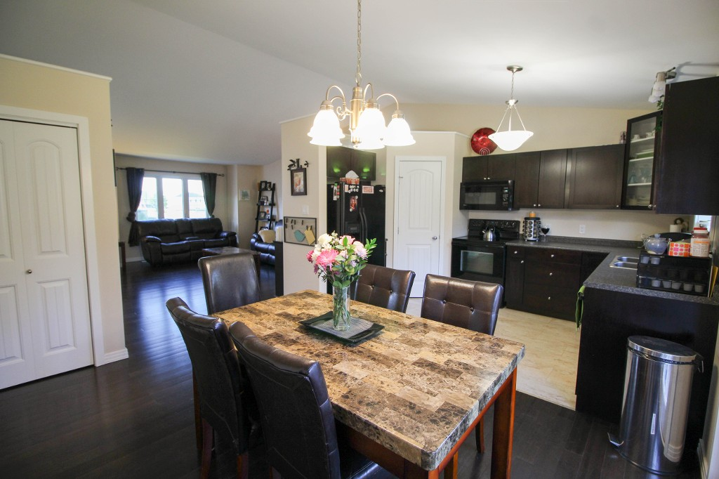Photo 8: 345: Oakville Single Family Attached for sale (Manitoba Other)  : MLS® # 1617877