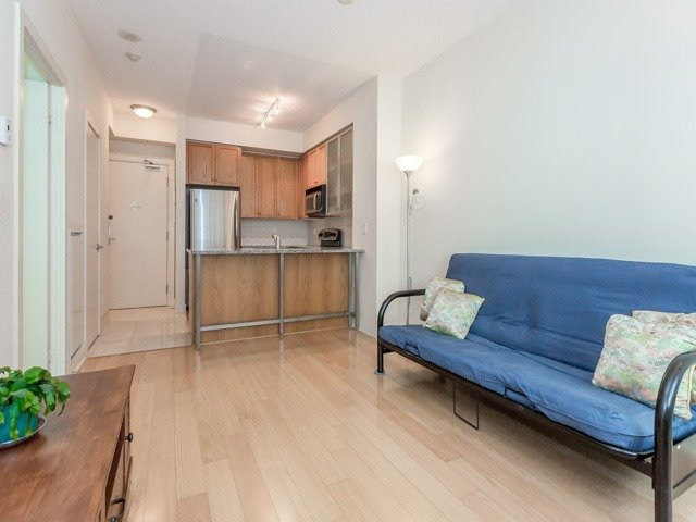 Photo 3: 438 King St W Unit #518 in Toronto: Waterfront Communities C1 Condo for sale (Toronto C01)  : MLS(r) # C3683313