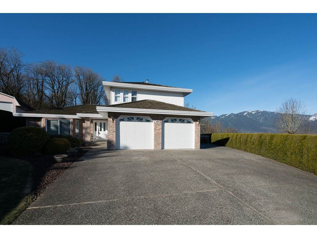 Main Photo: 8651 SUNRISE DRIVE in Chilliwack: Chilliwack Mountain House for sale : MLS® # R2135573