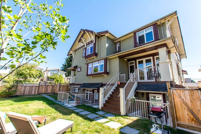 Main Photo: 2088 E 10TH AVENUE in Vancouver: Grandview VE Townhouse for sale (Vancouver East)  : MLS®# R2135657