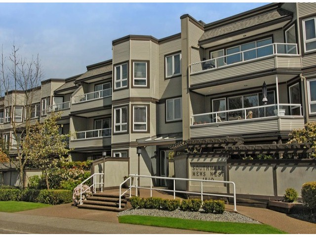 "Main Photo: 306 1840 E SOUTHMERE Crescent in Surrey: Sunnyside Park Surrey Condo for sale in ""SOUTHMERE MEWS"" (South Surrey White Rock)  : MLS® # F1308190"