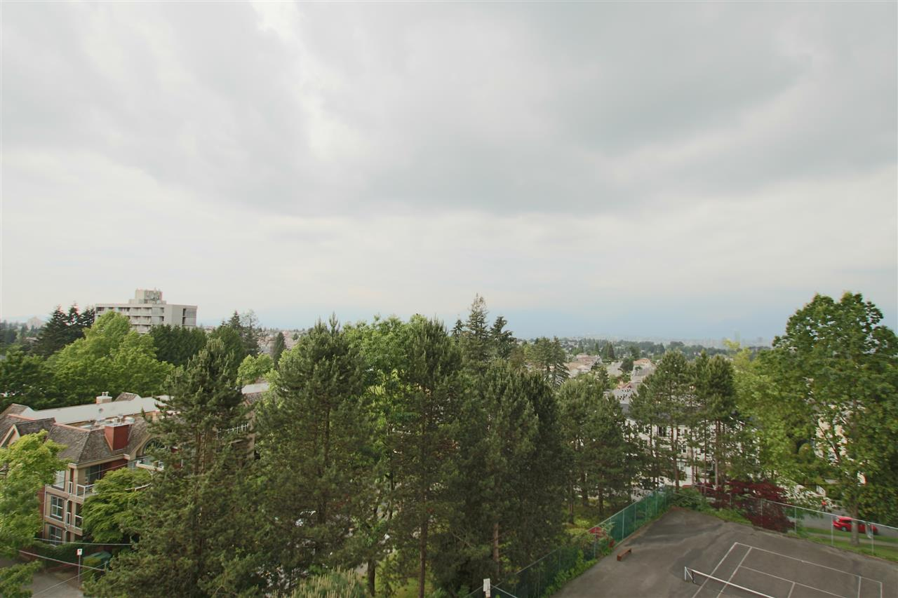 Photo 2: 706 5652 PATTERSON AVENUE in Burnaby: Central Park BS Condo for sale (Burnaby South)  : MLS(r) # R2072589