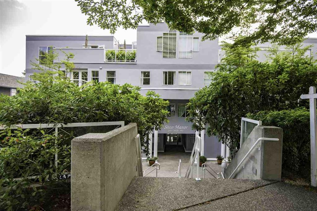 Main Photo: 304 1023 Wolfe Avenue in Vancouver: Condo for sale : MLS® # r2079640