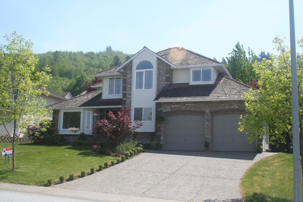 Main Photo: 46648 SYLVAN Drive in Chilliwack: Promontory House for sale (Sardis)  : MLS(r) # H1303170