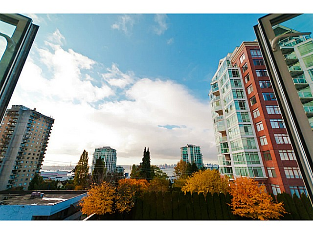 "Main Photo: # 305 155 E 3RD ST in North Vancouver: Lower Lonsdale Condo for sale in ""THE SOLANO"" : MLS® # V1024934"