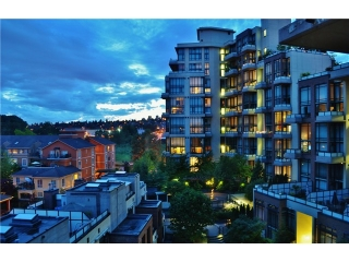 Main Photo: # 306 10 RENAISSANCE SQ in New Westminster: Quay Condo for sale : MLS® # V1064556