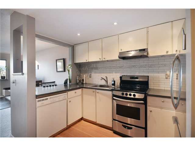 Main Photo: 301 1990 W 6TH Avenue in Vancouver: Kitsilano Condo for sale (Vancouver West)  : MLS(r) # V930376
