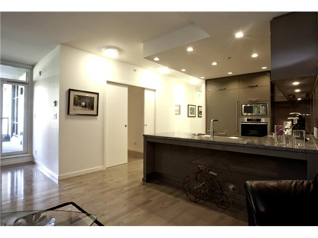 "Main Photo: 35 6093 IONA Drive in Vancouver: University VW Condo for sale in ""Coast"" (Vancouver West)  : MLS(r) # V960793"