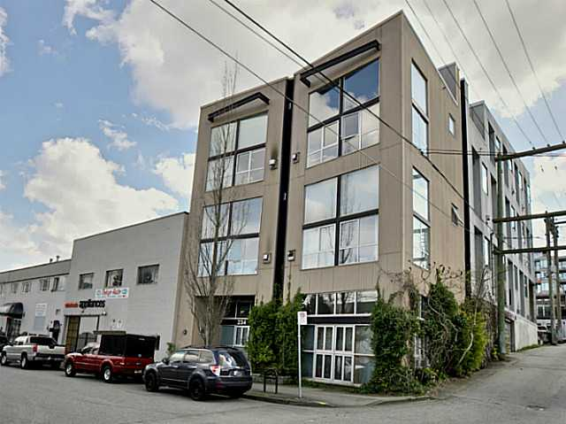Main Photo: # 203 234 E 5TH AV in Vancouver: Mount Pleasant VE Condo for sale (Vancouver East)  : MLS® # V1112379