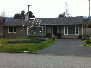 Main Photo: 1296 PINEWOOD Crest in North Vancouver: Norgate House for sale in &quot;NORGATE&quot; : MLS(r) # V987658