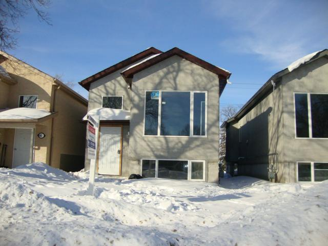 Main Photo: 482 FERRY Road in WINNIPEG: St James Residential for sale (West Winnipeg)  : MLS®# 1301693