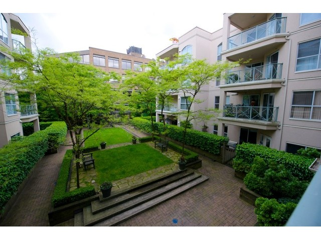 "Photo 9: 210 511 W 7TH Avenue in Vancouver: Fairview VW Condo for sale in ""BEVERLY GARDENS"" (Vancouver West)  : MLS(r) # V1009437"