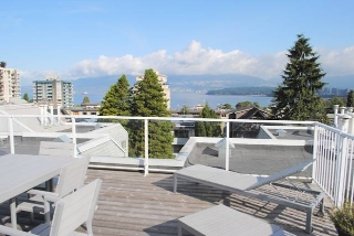 "Main Photo: 303 2250 W 3RD Avenue in Vancouver: Kitsilano Condo for sale in ""Henley Park"" (Vancouver West)  : MLS® # V1028449"
