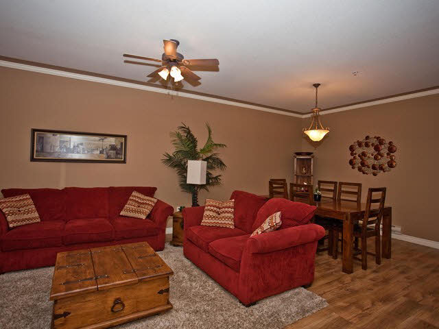 Photo 2: 13 19148 124 Avenue in Pitt Meadows: Townhouse for sale