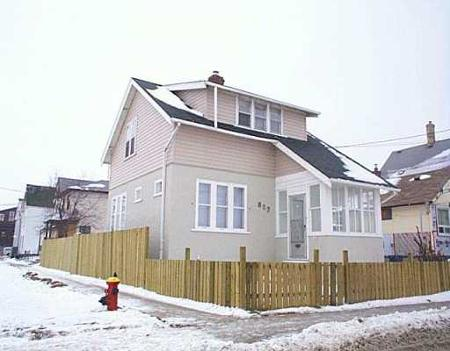 Main Photo: 887 ALEXANDER: Residential for sale (Canada)  : MLS® # 2620346