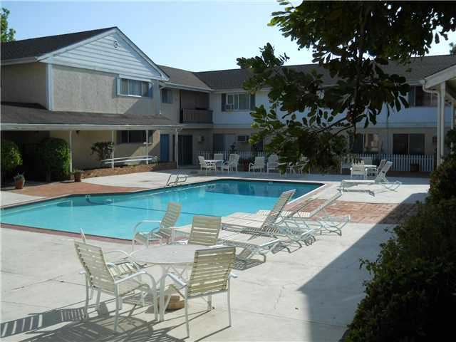 Photo 5: LA MESA Condo for sale : 2 bedrooms : 4800 Williamsburg Lane #134