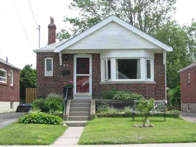 Main Photo: 93 Hollis Avenue in Toronto: Birchcliffe-Cliffside Freehold for sale (Toronto E03)