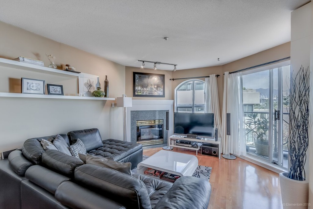 Photo 3: # 318 511 W 7TH AV in Vancouver: Fairview VW Condo for sale (Vancouver West)  : MLS® # V1140981