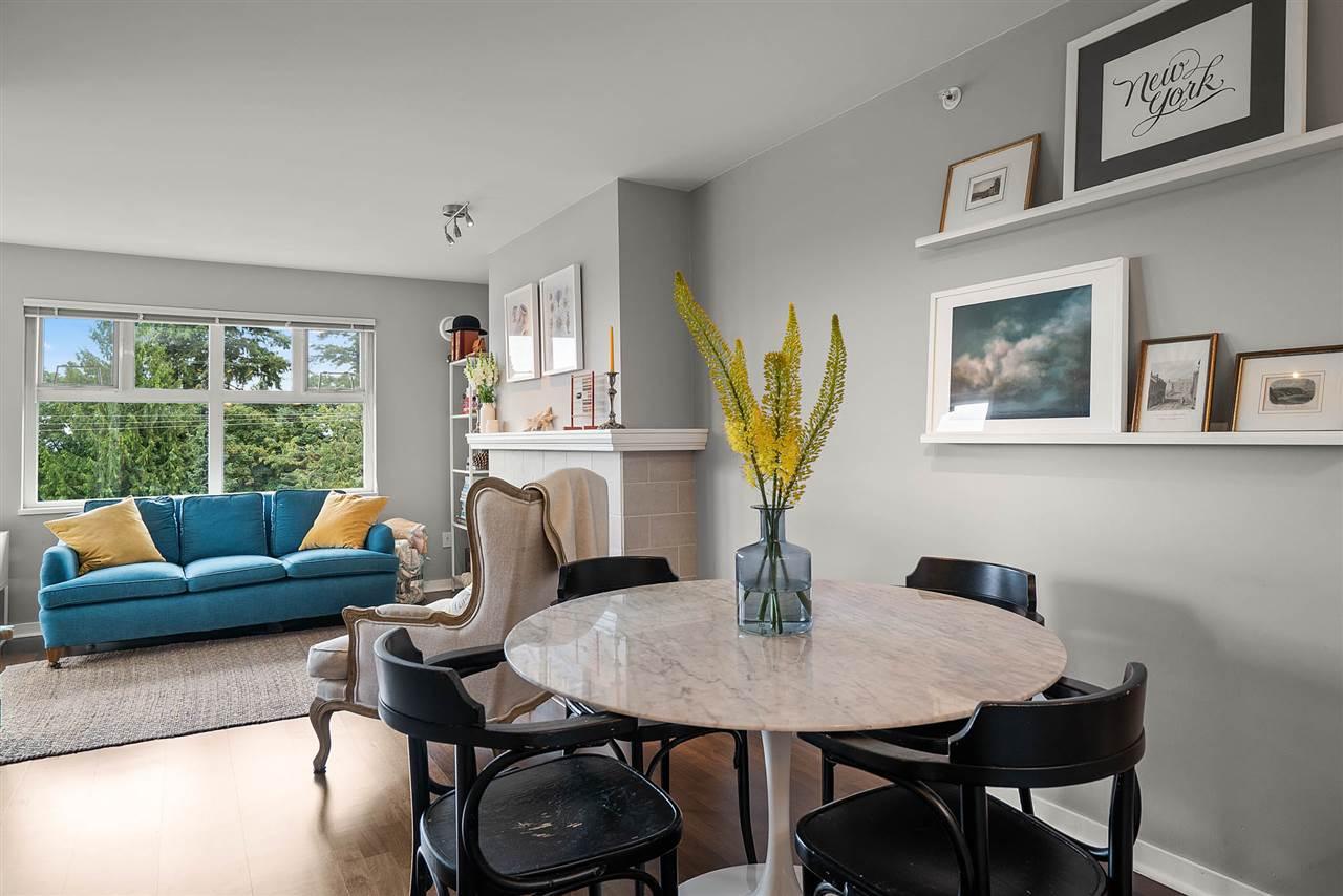 FEATURED LISTING: 401 - 3580 41ST Avenue West Vancouver
