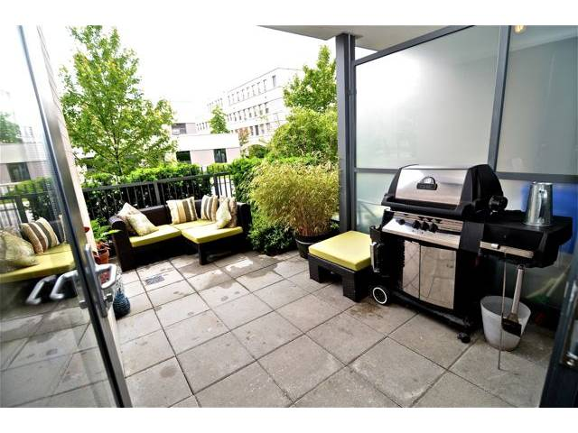 "Main Photo: 109 750 W 12TH Avenue in Vancouver: Fairview VW Condo for sale in ""TAPESTRY"" (Vancouver West)  : MLS® # V956628"