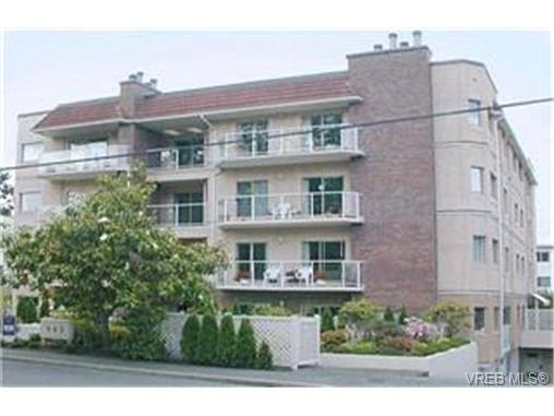 Main Photo: 302 945 McClure Street in VICTORIA: Vi Fairfield West Condo Apartment for sale (Victoria)  : MLS®# 202508