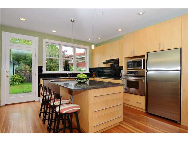 Main Photo: 269 E 26TH Avenue in Vancouver: Main House for sale (Vancouver East)  : MLS® # V1080656
