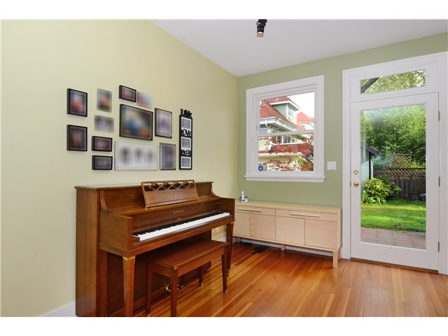 Photo 4: 269 E 26TH Avenue in Vancouver: Main House for sale (Vancouver East)  : MLS(r) # V1080656