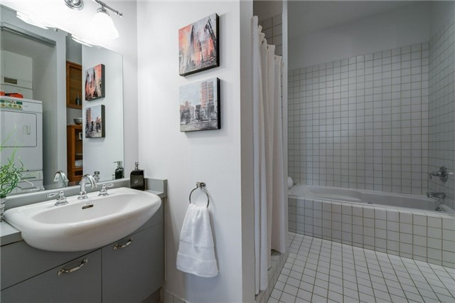 Photo 13: 155 Dalhousie St Unit #1039 in Toronto: Church-Yonge Corridor Condo for sale (Toronto C08)  : MLS(r) # C3692552