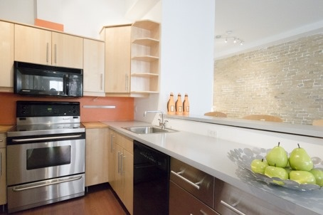 Photo 6: 323 Queen  St E Unit #2A in Toronto: Moss Park Condo for sale (Toronto C08)  : MLS(r) # C3710307
