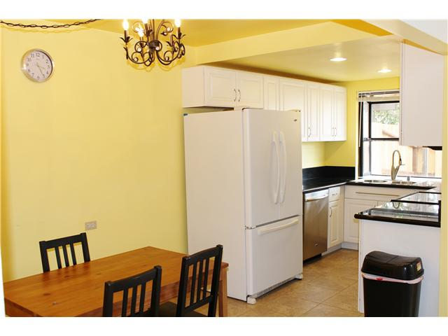 Photo 8: UNIVERSITY CITY Townhome for sale : 3 bedrooms : 4484 Eastgate Mall #8 in San Diego
