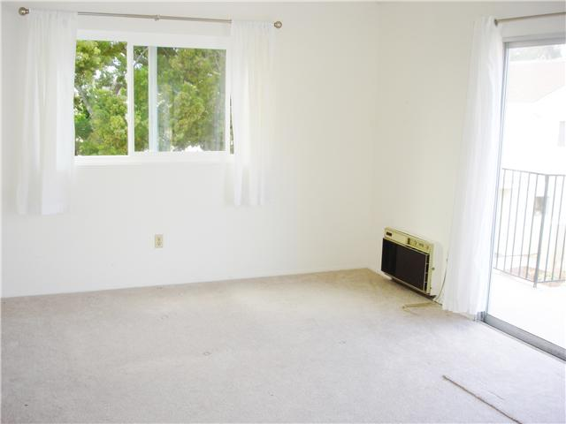 Photo 14: UNIVERSITY CITY Townhome for sale : 3 bedrooms : 4484 Eastgate Mall #8 in San Diego