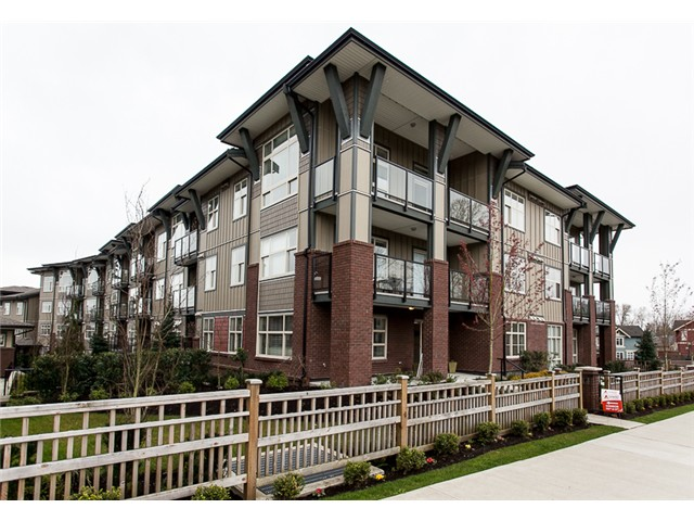 Main Photo: 307 19201 66A in Surrey: Clayton Condo for sale (Cloverdale)  : MLS® # F1429428