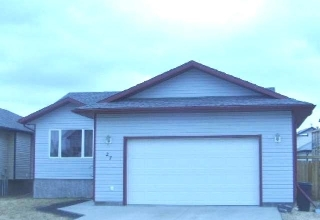 Main Photo: 27 Poplar Drive in Whitecourt: House for sale : MLS® # 42439