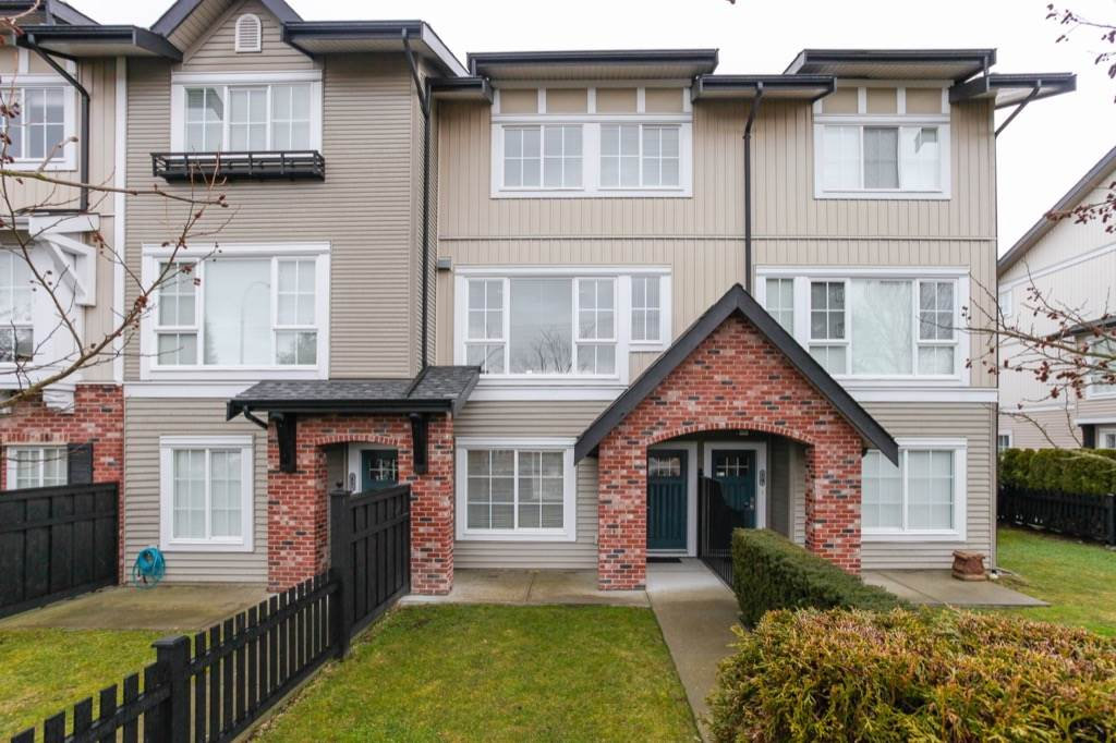 Main Photo: 18 2450 161A STREET in Surrey: Grandview Surrey Townhouse for sale (South Surrey White Rock)  : MLS® # R2142988
