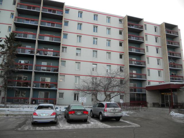 Main Photo: 35 Valhalla Drive in WINNIPEG: East Kildonan Condominium for sale (North East Winnipeg)  : MLS(r) # 1205530