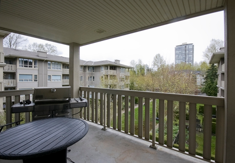 Photo 15: Photos: 330 801 KLAHANIE Drive in Port Moody: Port Moody Centre Condo for sale in &quot;PORT MOODY CENTRE&quot; : MLS(r) # V955048