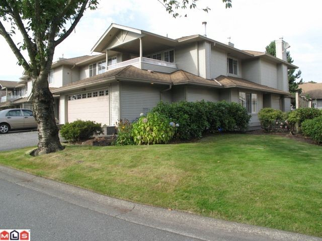 Main Photo: 20391 96 in Langley: Walnut Grove Townhouse for sale : MLS®# F1224134