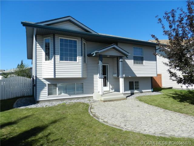 Main Photo: 101 Briarwood Crescent in Blackfalds: BS Briarwood Residential for sale : MLS(r) # CA0045870