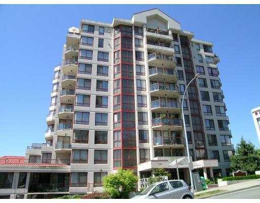"Main Photo: 220 11 Street in New Westminster: Uptown NW Condo for sale in ""QUEENS COVE"" : MLS(r) # V626842"