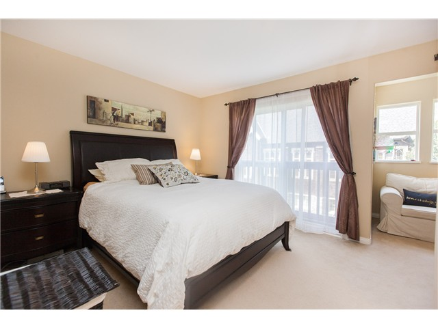 Photo 6: Photos: 212 E 10TH ST in North Vancouver: Central Lonsdale Condo for sale : MLS®# V1061557