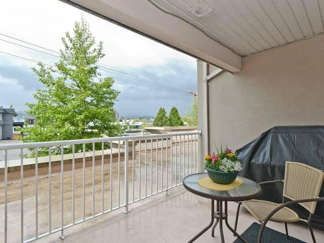 Photo 10: 407-22230 North Avenue in Maple Ridge: West Central Condo for sale : MLS® # V1087977