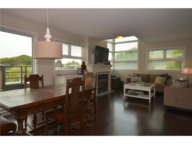 "Photo 3: 406 2181 W 12TH Avenue in Vancouver: Kitsilano Condo for sale in ""THE CARLINGS"" (Vancouver West)  : MLS(r) # V973471"