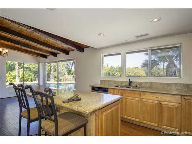 Photo 13: SOUTH ESCONDIDO House for sale : 3 bedrooms : 2494 REILL VIEW Drive in Escondido