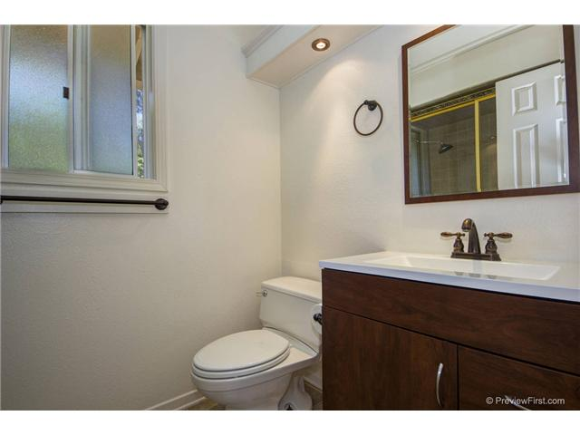 Photo 18: SOUTH ESCONDIDO House for sale : 3 bedrooms : 2494 REILL VIEW Drive in Escondido