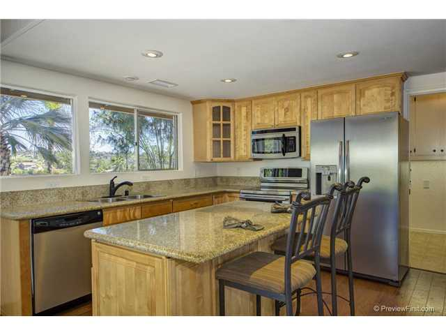 Photo 12: SOUTH ESCONDIDO House for sale : 3 bedrooms : 2494 REILL VIEW Drive in Escondido