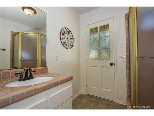 Photo 15: SOUTH ESCONDIDO House for sale : 3 bedrooms : 2494 REILL VIEW Drive in Escondido
